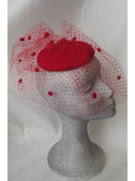 Red wool felt with a net with red plumetis