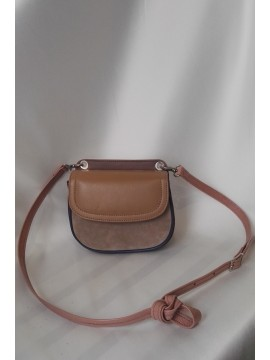 Multicolored bag with a convertible handle